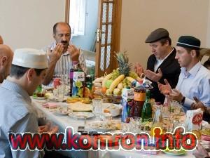 kakogo-chisla-uraza-bayram-3-300x225
