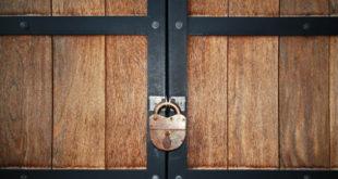 zakrytaya-dver