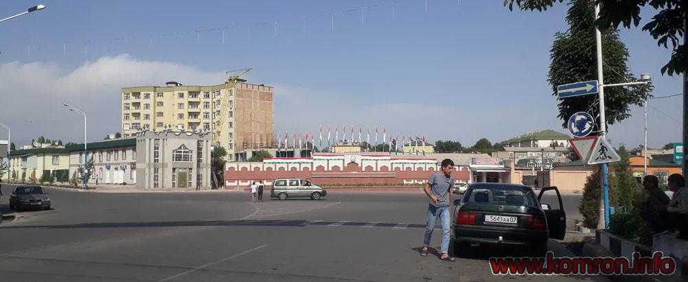 Кольцевая дорога города где ранее тут до 2010 года был районный рынок.