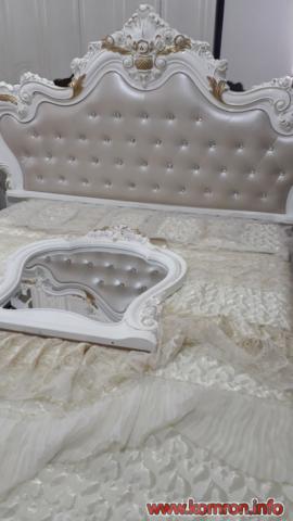 Орнаментный белый кровать по цене 435 $