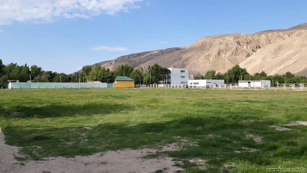 Мактаби 1 дар маркази ноҳияи Носири Хусрав